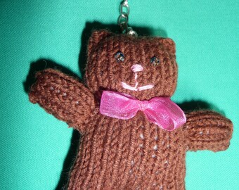 "Key fob, knitted brown Teddy Bear.  Porte-clés ""Teddy Bear"" marron"