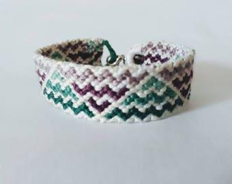 Friendship Bracelet 16 thread DMC - friendship bracelet