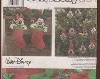 Vintage Simplicity Crafts Pattern 8292 - Mickey Mouse and Minnie Mouse Christmas Ornaments, Stocking and Treeskirt - UNCUT