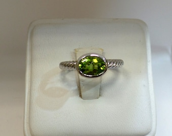Peridot Ring Sterling Stilver 925/ Sterling Silver 1.68 Natural Peridot Solitaire Ring/ Raw Peridot Ring/ Gemstone Ring/ Peridot Engagement