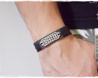 Men's Leather Bracelet, Saxon Braceletf, Wiccan Leather Bracelet, Celtic Bracelet, Nordic Norse Bracelet, LARP Viking Cuff, Knotwork Cuff