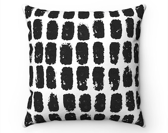 Black Dots Pillow Cover, Black & White Accent Pillow, Zippered Pillow, Decorative Cushion Cover, Abstract Art Pillow, Black and White Pillow