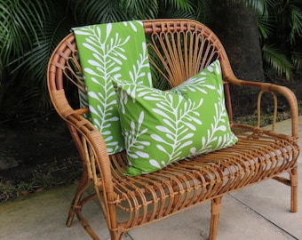 Stick Reed Franco Albini Style Mid-Century Modern Rattan Bench/Loveseat.