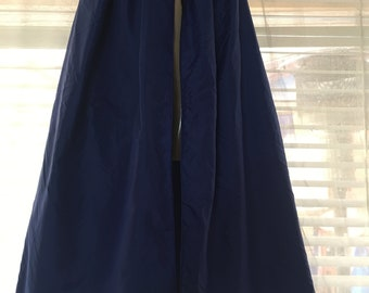 Reversible Cape (blue vs black)