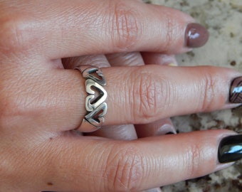 Custom Heart Ring - Sterling Silver - 7mm Band - Personalized - Gifts - Wedding Ring - Anniversary - Hand Carved - Hand Made