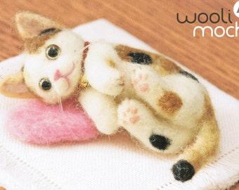 Miniature Sleeping Cat Needle Felting Kit
