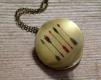 Arrow Locket, Tribal Locket, Round Brass Locket Necklace, Southwest Necklace, Arrow Pendant, Tribal Jewelry, Boho Locket