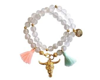 hippie bracelet white boho bohemian peace pear warpbracelet hippiejewellry gypsy armcandy festival naturalstonebeads bull