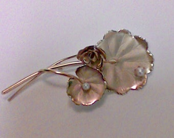 Vintage Gold 2 Leafs and Rose with Pearls brooch