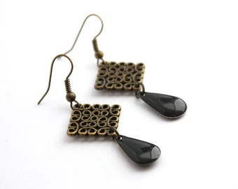Small square of bronze with dark grey earrings