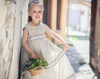 Country flower girl dress -  Rustic flower girl dress - Flower girl linen dress - Linen girl dress - Linen lace baby girl dress