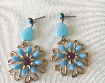 Robins Egg Blue Earrings, Retro Earring, Flower Earrings, Summer Earrings
