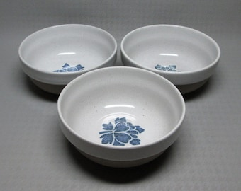 Midwinter set of three soup cereal bowls BLUE PRINT stencil pattern of flowers