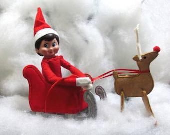 In Hoop Elf Sleigh and Reindeer