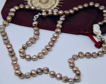 Hand knotted Freshwater Pearl Necklace.