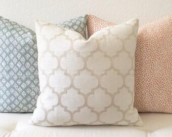 Chenille velvet cream quatrefoil geometric decorative pillow cover
