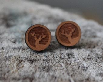 mignonnes puces en bois chevreuil // cute studs earrings wood deer (bo-994)