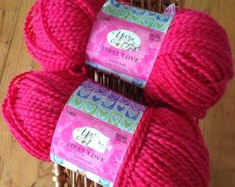 Destash - NEW Yarn Bee First Love yarn in Passion Berry, vegan poly bulky 143 yards 5oz per skein