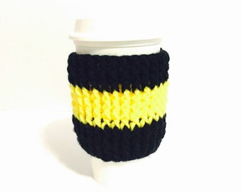 Coffee cup cuff, cup hug, cup sweater, drink holder, beverage cozy, java cozy, yellow black cozy, football cozy, team sports, team colors