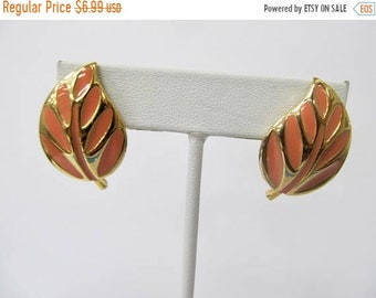 On Sale Retro Enameled Leaf Earrings Item K # 575