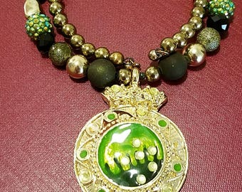 Beautiful statement necklace,an accessory piece for any occassion