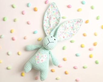 Cotton tail bunny booties hat gift set  crochet pattern PDF