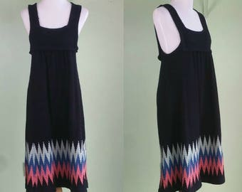 1970s Sweater Dress - Sleeveless Jumper Dress - VTG 70s Black Dress with Chevron Stripes - Medium