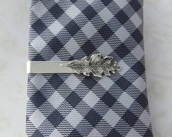 Silver Thin Tie Clip with Silver Oak Leaf, Tie Bar Modern, Rustic, Woodland, Nature, Men, Groom, Best man, Men, Fall Wedding, For Skinny Tie