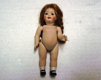 Antique Repro Doll, ca. 12 cm (101)