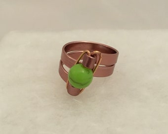 Size 8 wire ring with green bead