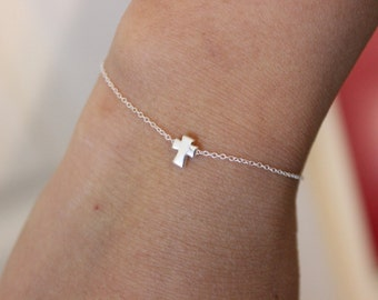 Tiny cross bracelet, silver cross bracelet, cross charm, dainty delicate bracelet, baptism, confirmation, first communion, child bracelet