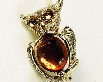 Owl Brooch Pin - Jelly Belly Owl Brooch - Amber Stone Gold Tone Vintage