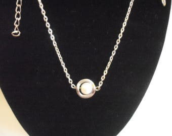 Elegant one white pearl necklace