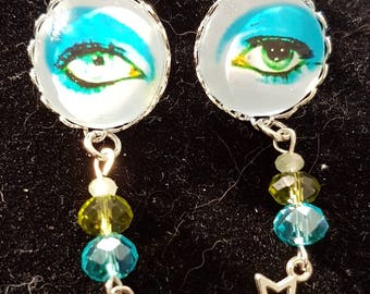 David Bowie Silvertone Cabochon Life on Mars eye Pop Art charm earrings. 20mm cab.