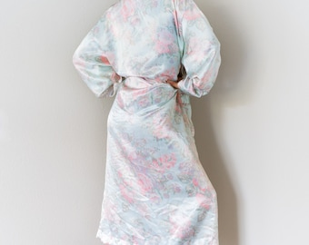 New Condition Vintage Victoria's Secret VS Gold Label Liquid Silky Satin Luxurious Pastel Floral Print Lace Trim Robe Sleepwear Nightie