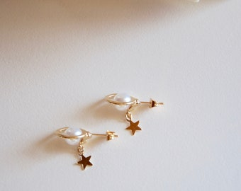 Gold tone with Pearl Earrings