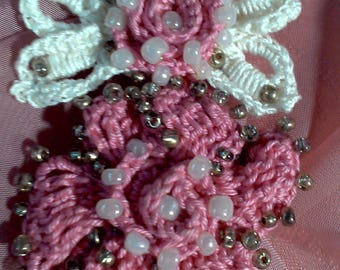 Brooch in the style of Irish lace