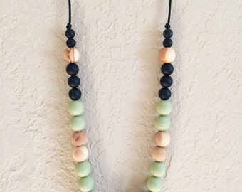 Silicone Teething Necklace, Nursing Necklace, Chew Beads, wooden green black
