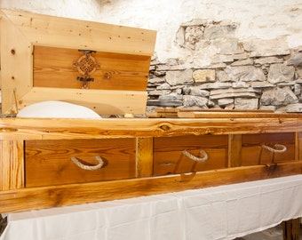 Free Shipping   Reclaimed Knotty Pine Casket With Rope Handles