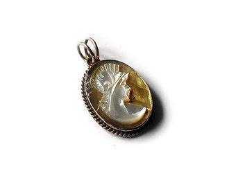 Motherofpearl cameo pendant antique gladiator italian cameo jewelry donadio cameos pendentif camée colgante camafeo カメオペンダント Камея подвеска