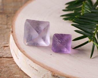 PURPLE FLUORITE Octahedron - S or M Purple Fluorite Crystal Octahedron, Natural Fluorite Point, Raw Fluorite Stone Healing Crystal E0623