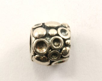 Vintage Textured Charm Sterling 925 CH 413