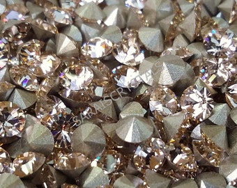 25 pcs Swarovski Crystal Rhinestones Pointed Back Chatons Silk SS19  (4.4 - 4.6mm) 1028 Xilion