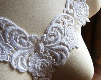 Venice Lace Applique in White for Jewerly or Costume Design, Bridal Wear, Altered Couture WA 604