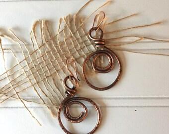Copper Dangle Earrings - Copper Hoop Earrings -  Circle Earrings - Wire Earrings - Hammered Copper Earrings - Gift for Her - Earthy Earrings