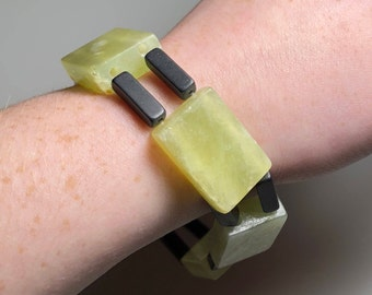Transparent Green Serpentine with Blackstone Beaded Stretch Bracelet