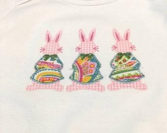 Personalized Pink Bunnies Bodysuit / Appliqued Bunnies Onesie / Three Girl Bunnies Bodysuit / Trio of Bunnies Bodysuit / Easter Onesie