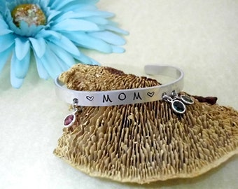 Mom Gift, Grandma Bracelet, Cuff Bracelet, Name Bracelet, Grandma Jewelry, Gift for Mom, Grandmother Jewelry Gift, Stainless Steel Bracelet