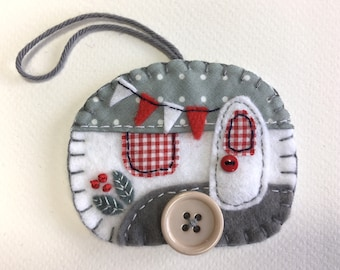 Felt Christmas ornament, Vintage trailer ornament, Vintage caravan ornament, Handmade felt caravan Christmas decoration, Grey and white