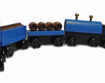 5-PIECE WOODEN TRAIN